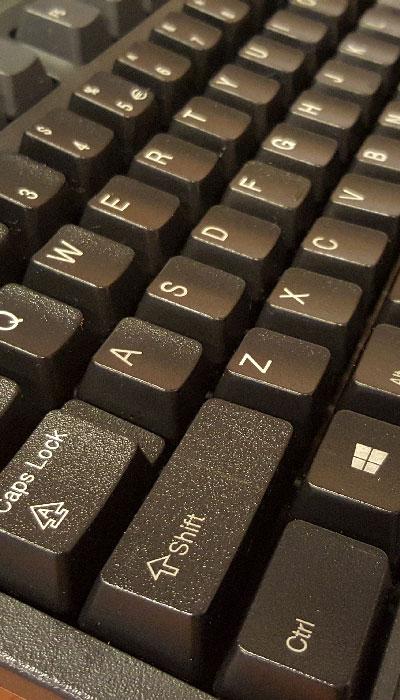 IPC-dépoussiérage-clavier-propre1